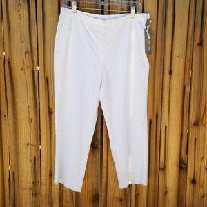 NWT Jones New York white eyelet patio pants